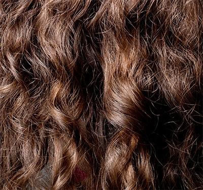 Welche Natur Und Bio Shampoos Sind Geeignet Für Lockiges Haar